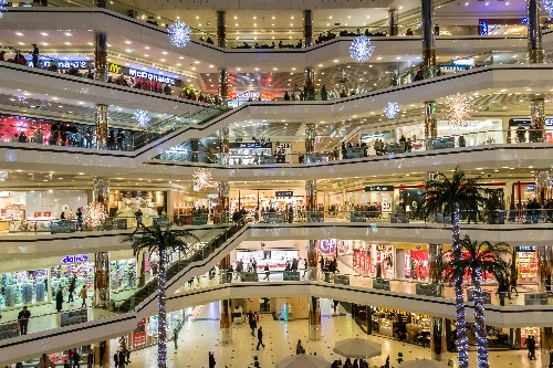 Why Online Retailers Continue To Open Brick-And-Mortar Stores