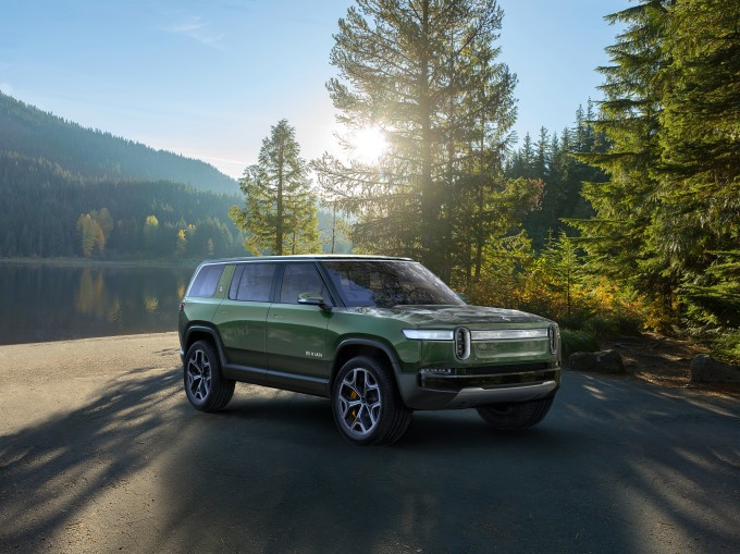 Amazon leads $700M round in electric automaker Rivian