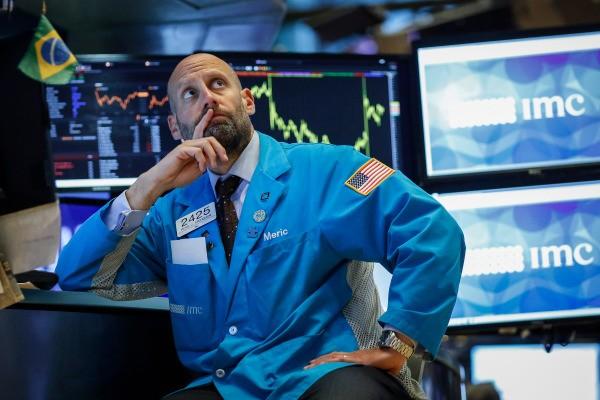 The Dow Jones drops nearly 1200 points as coronavirus fears batter stock markets – TechCrunch