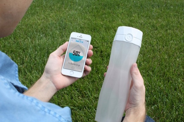 HidrateMe Is A Connected Water Bottle That Will Glow When You Need To Take A Sip – TechCrunch