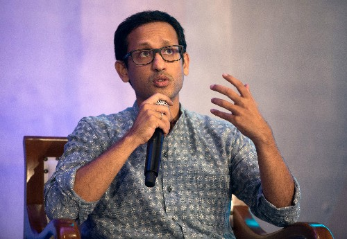 Gojek founder and CEO Nadiem Makarim resigns to join Indonesian cabinet; Soelistyo and Aluwi to be new co-CEOs