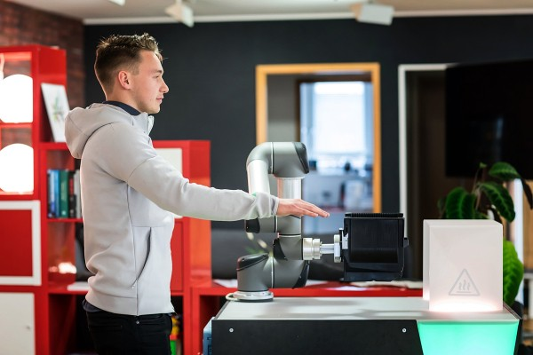Wandelbots raises $6.8M to make programming a robot as easy as putting on a jacket