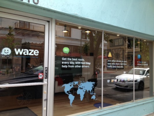 Reports: Facebook Is Buying Social Mapping/Traffic App Waze For Up To $1B To Court Mobile Users