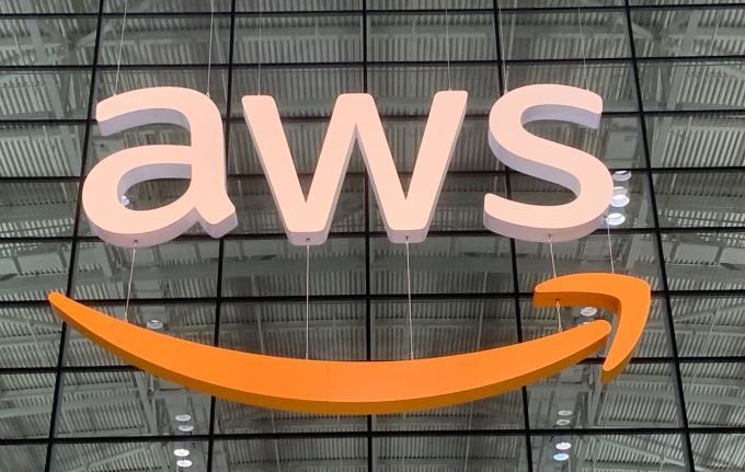Amazon migrates more than 100 consumer services from Oracle to AWS databases