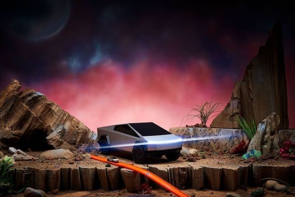 Hot Wheels made two remote-controlled Tesla Cybertruck toys – TechCrunch