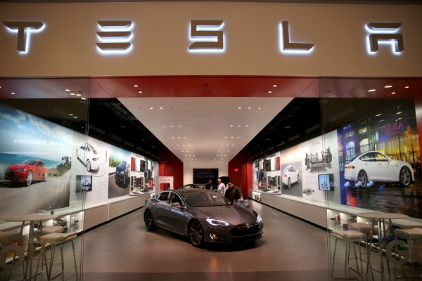 Tesla will move to open Richmond store after DMV win