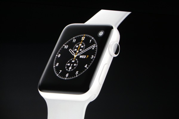 Apple discontinues gold watch, adds ceramic