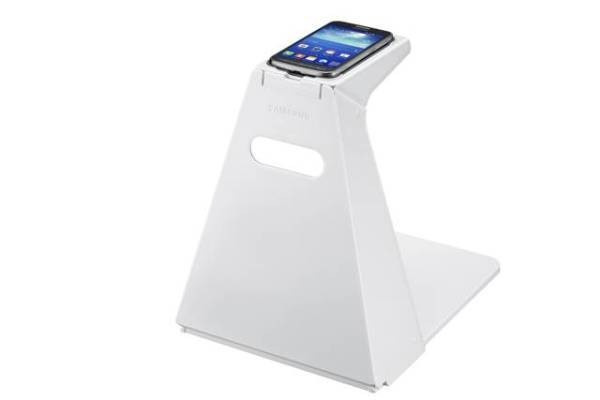 Samsung Focuses On Accessibility With An Ultrasonic Case, A Text-Reading Stand And Voice Labels