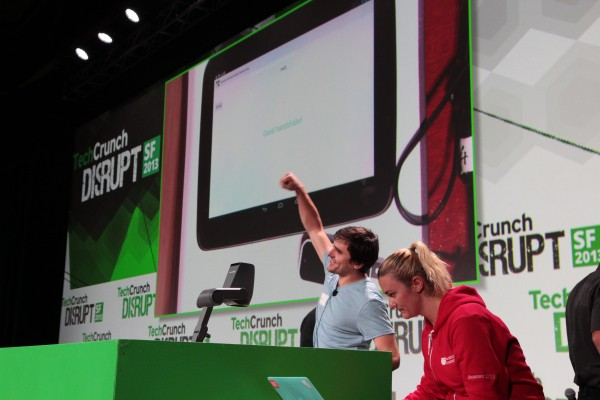 Secret Handshake Lets You Pay With Hand Gestures And Leap Motion – No Phone Or Card Required
