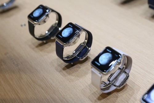 How The Apple Watch And iPhone 6 Plus Might Flip Your Mobile Computing Habits