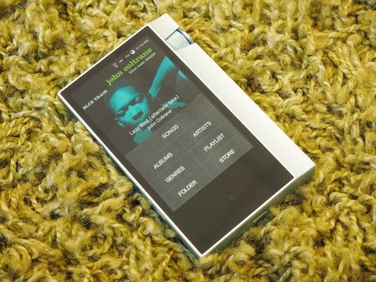 Astell & Kern amps up the portability of its hi-res music players with the AK70 – TechCrunch
