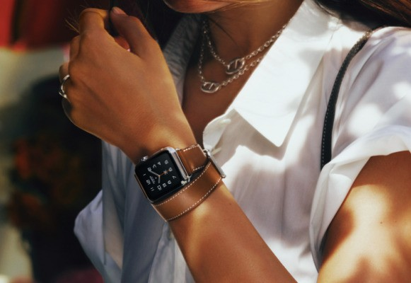 Apple Watch will soon let you talk to Siri to use your apps