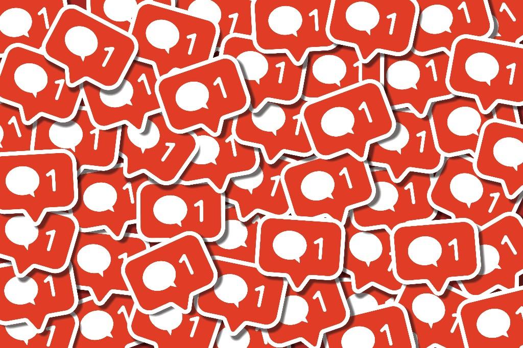 #Marketing+BrandHacks - Cover