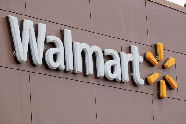 Walmart will now allow shoppers to access PayPal cash in stores