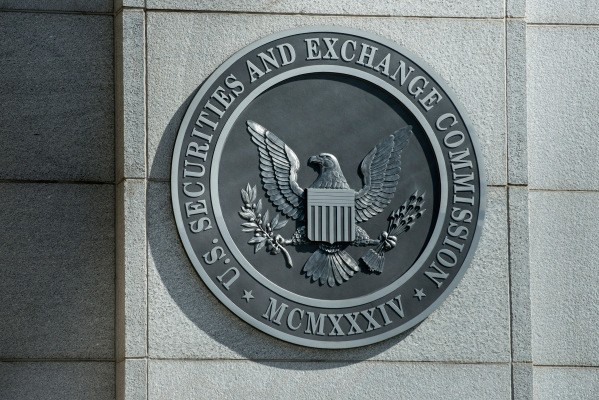 With markets going crypto-crazy, SEC chairman weighs in