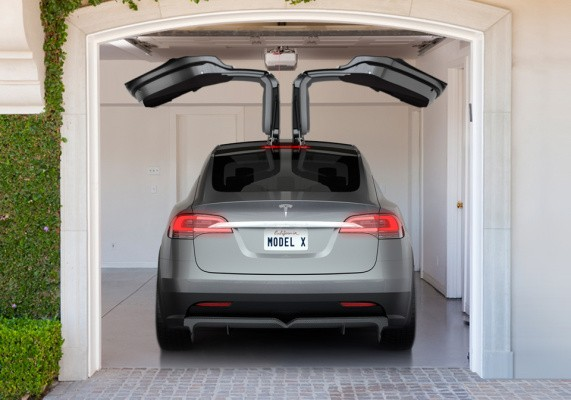 The Tesla Model X SUV Is Coming In Early 2015 With Gull-Wing Doors