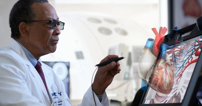 EchoPixel's breakthrough VR tech lets doctors look inside your body