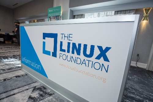 AWS, Salesforce join forces with Linux Foundation on Cloud Information Model