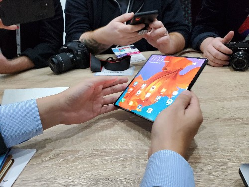 A closer look at Huawei's folding Mate X