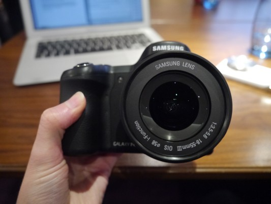 Samsung's Galaxy NX Is A 4G Android Interchangeable Lens Camera That Lets You Post To Instagram