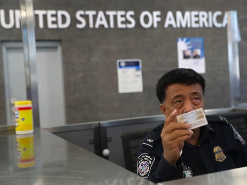 US border agents assert 'broad unconstitutional' power to search citizens' devices