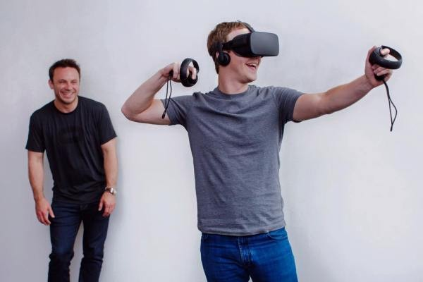 Zuckerberg Confirms Facebook Is Working On Augmented Reality