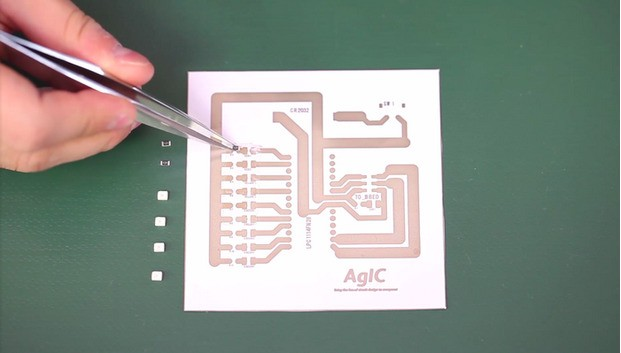 AgIC Is A DIY Kit For Turning A Home Inkjet Printer Into A Circuit-Board Maker