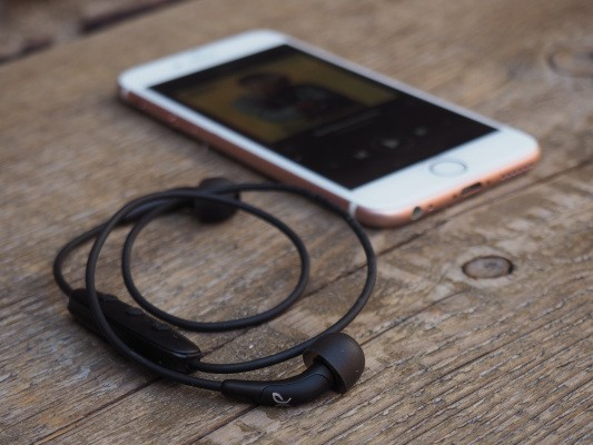 Jaybird's Freedom headphones bring Bluetooth earbuds a step closer to mainstream
