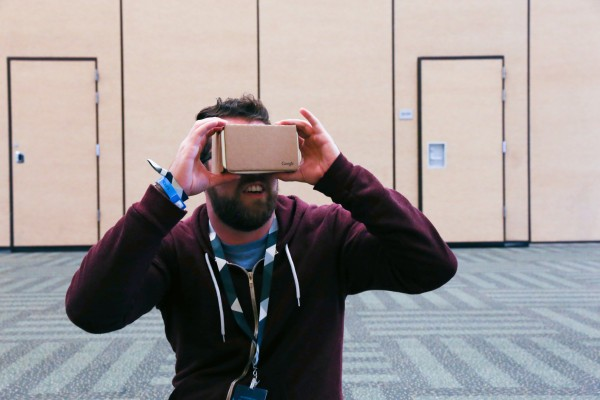 Google's Cardboard VR Now Works (Very Well) With iPhone