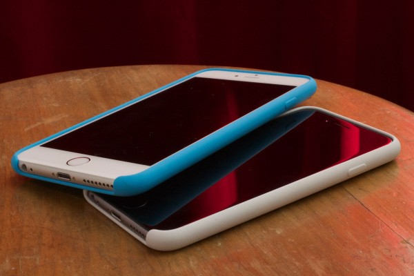The iPhone 6 (And 6 Plus) Go To Disneyland