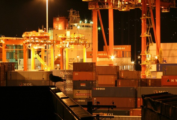 Microsoft Expands Its Container Support With Hyper-V Containers And Stripped-Down Server OS