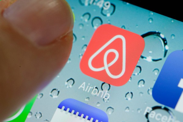 Facebook and Airbnb told to change their ToS to fix EU consumer rights issues by year's end