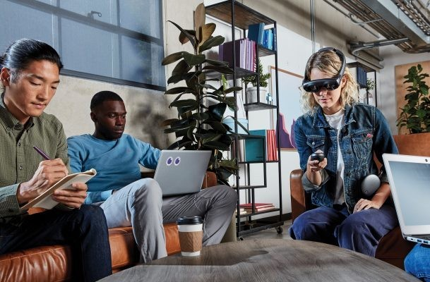 Magic Leap and other AR startups have a rough 2019 ahead of them