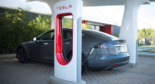 Tesla Wants To Open Its Supercharger Standard To Other Electric Car Makers