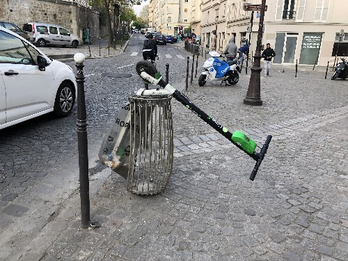 Paris clamps down on scooter startups