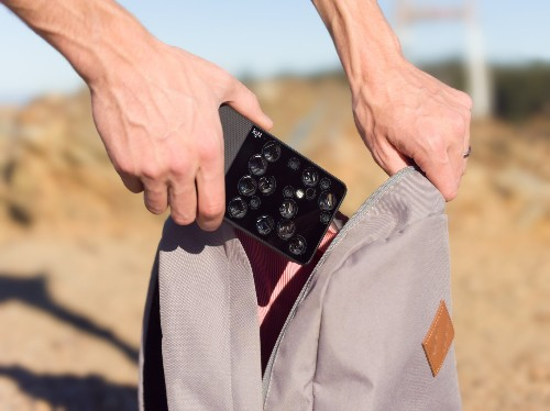 Light starts shipping the L16, its 16-camera pocket DSLR challenger