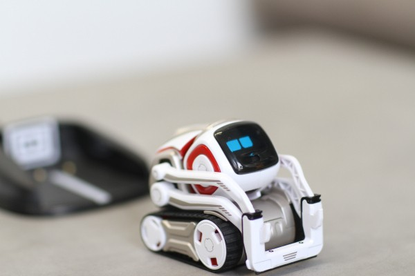 Anki's Cozmo robot is a surprise hit, temporarily selling out ahead of the holidays