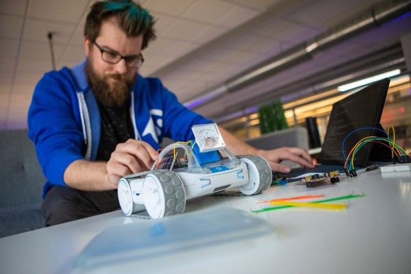 Sphero hits Kickstarter with new RVR robotics platform