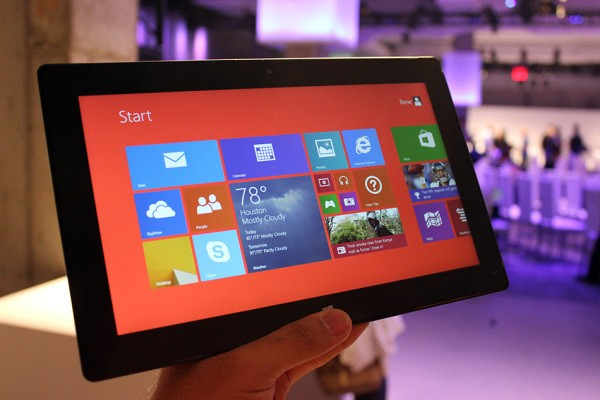 Up Close And Personal With Microsoft's Surface 2 And Surface Pro 2