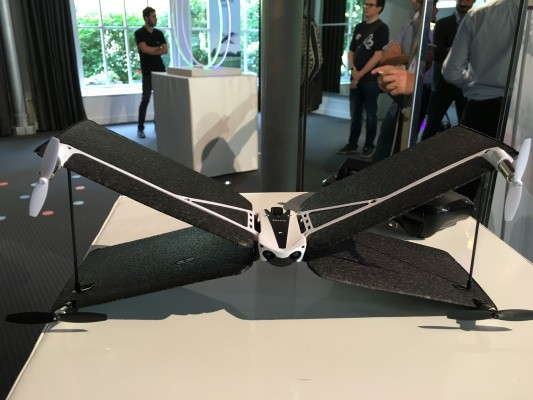 Parrot unveils a hybrid fixed-wing quadcopter minidrone that looks like an X-wing