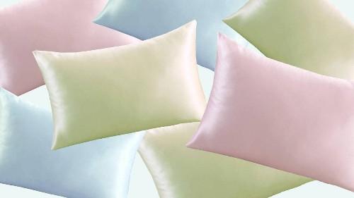 11 Best Silk Pillowcases For Hair & Skin in 2020