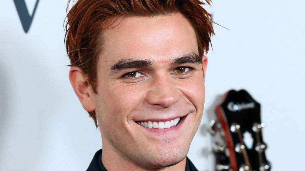 KJ Apa Looks Unrecognizable With His New Beard