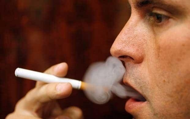 E-cigarettes contain flavouring chemical linked to deadly 'popcorn lung'