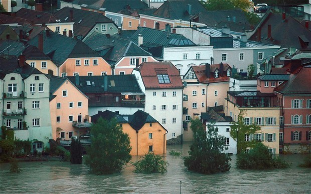 Europe floods caused €4.5bn of damage, says Swiss Re