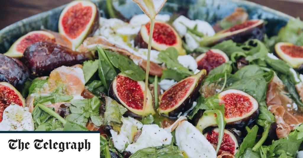 Fig, mozzarella and serrano ham salad recipe
