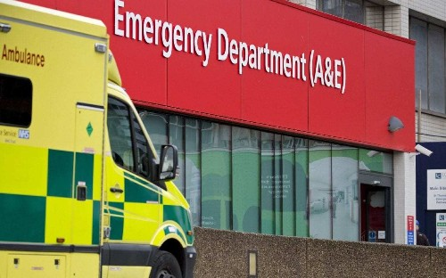 NHS chiefs attack plans to scrap four hour A&E targets, warning against attempts to 'keep ministers happy'