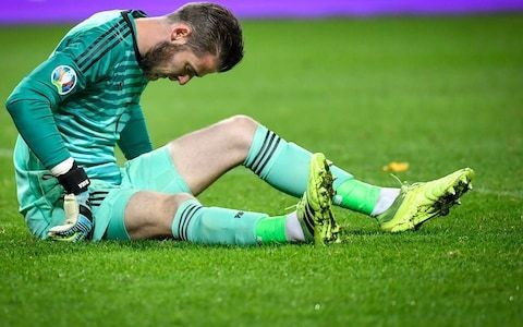 Manchester United face potential injury blow ahead of Liverpool visit after David de Gea suffers muscle injury