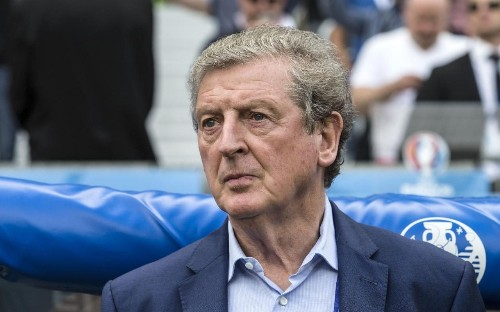 England manager Roy Hodgson is only guaranteed a new contract if he reaches Euro 2016 semi-finals, says Greg Dyke