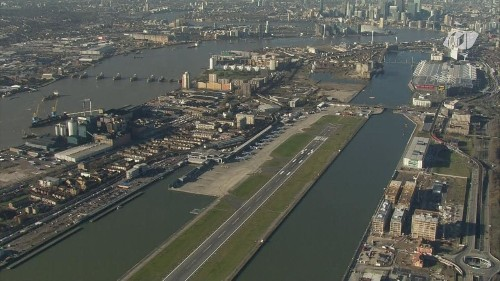 London City Airport shut: Flights cancelled after Second World War bomb found in River Thames dock