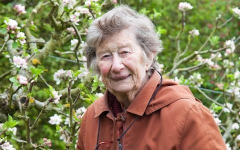 Mary Spiller, horticulturist and pioneering presenter of 'Gardeners' World' who curated fiery splashes of colour in the herbaceous borders of Waterperry – obituary